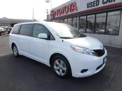 Used Toyota Sienna for $25,998