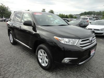 2011 Toyota Highlander SE SUV for sale in Silver Spring for $31,900 with 64,089 miles.