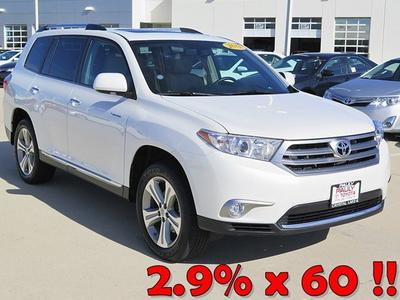 2013 Toyota Highlander SUV for sale in Crystal Lake for $39,400 with 10,990 miles.