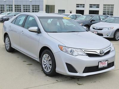 2014 Toyota Camry Sedan for sale in Crystal Lake for $18,989 with 12,006 miles.