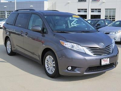 2014 Toyota Sienna Minivan for sale in Crystal Lake for $31,989 with 6,181 miles.