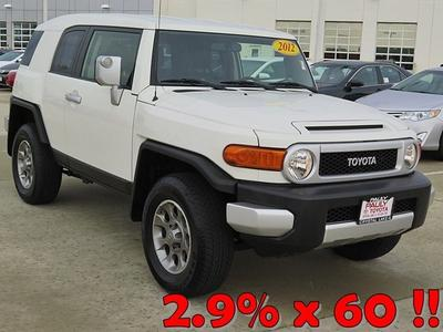2012 Toyota FJ Cruiser Base SUV for sale in Crystal Lake for $30,989 with 18,701 miles.