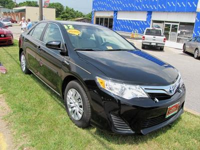 2012 Toyota Camry Hybrid LE Sedan for sale in Staunton for $22,900 with 14,175 miles.