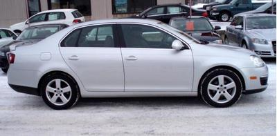 2009 Volkswagen Jetta Sedan for sale in La Crosse for $15,980 with 24,400 miles.