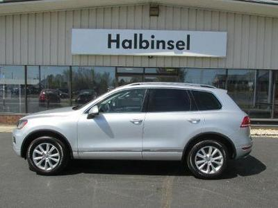 2013 Volkswagen Touareg SUV for sale in Escanaba for $37,995 with 9,209 miles.