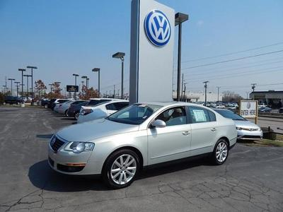 2010 Volkswagen Passat Komfort Sedan for sale in Tulsa for $15,950 with 66,895 miles.