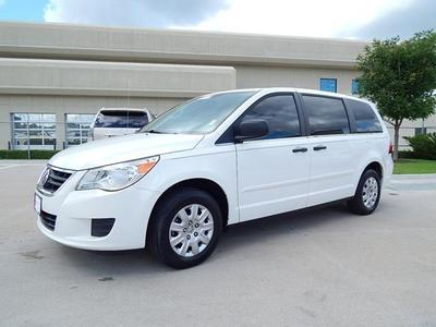 2010 Volkswagen Routan S Minivan for sale in Tulsa for $15,350 with 26,363 miles.