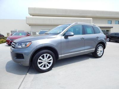 2013 Volkswagen Touareg SUV for sale in Tulsa for $32,950 with 41,897 miles.