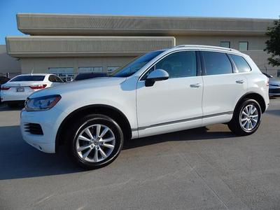 2014 Volkswagen Touareg SUV for sale in Tulsa for $35,950 with 13,396 miles.