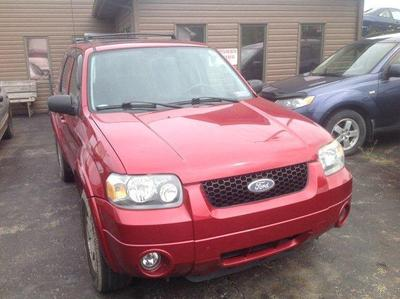 2005 Ford Escape Limited SUV for sale in Belle Vernon for $5,999 with 128,500 miles.