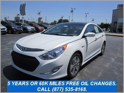 2013 Hyundai Sonata Hybrid Sedan for sale in Indianapolis for $30,849 with 9 miles.