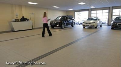 Acura of Huntington Image 7