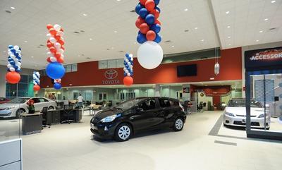 ... Toyota Of Nashua Image 2 ...