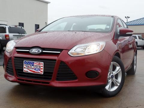 2014 Ford Focus SE Sedan for sale in Chattanooga for $16,000 with 32,090 miles