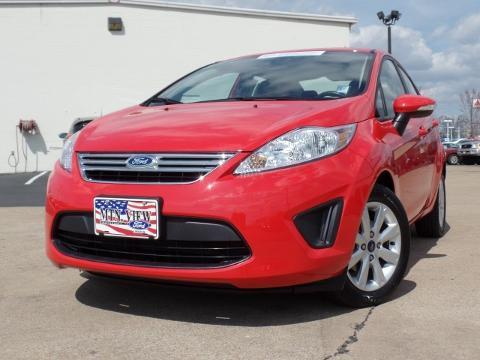 2013 Ford Fiesta SE Sedan for sale in Chattanooga for $14,425 with 17,370 miles