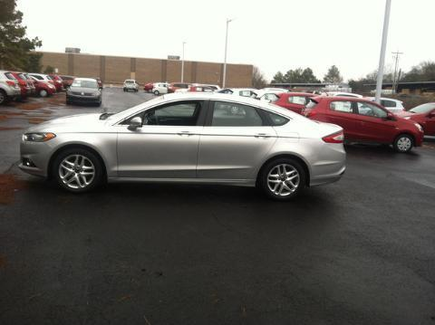 2013 Ford Fusion SE Sedan for sale in Muscle Shoals for $17,988 with 44,900 miles