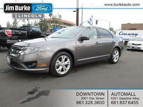 2012 Ford Fusion SE Sedan for sale in Bakersfield for $15,673 with 16,608 miles.