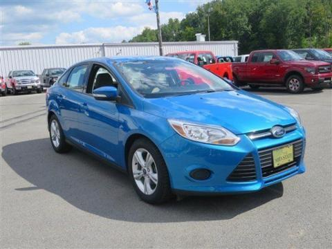 2014 Ford Focus SE Sedan for sale in Summersville for $17,999 with 19,941 miles