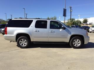 2014 GMC Yukon XL SUV for sale in San Antonio for $35,995 with 26,623 miles.
