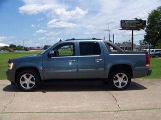 2011 Chevrolet Avalanche Crew Cab Pickup for sale in Alexandria for $31,900 with 35,390 miles.