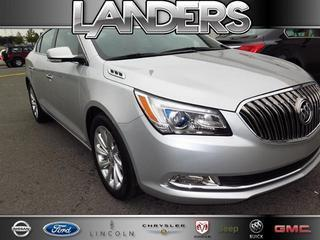 2015 Buick LaCrosse Sedan for sale in Southaven for $31,995 with 21,376 miles
