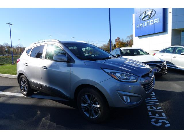 2014 Hyundai Tucson SE SUV for sale in New Haven for $23,995 with 13,554 miles.