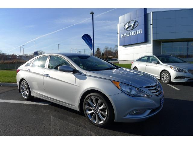2012 Hyundai Sonata SE Sedan for sale in New Haven for $16,995 with 32,057 miles