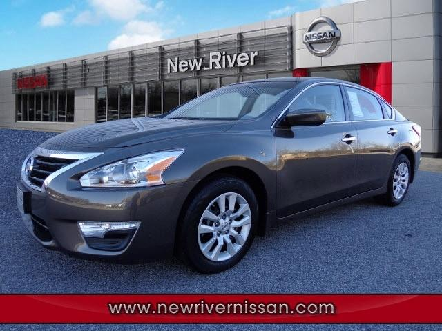 2013 Nissan Altima Sedan for sale in Christiansburg for $19,450 with 28,805 miles.