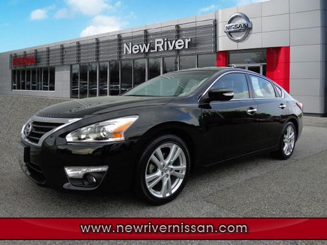2013 Nissan Altima Sedan for sale in Christiansburg for $23,950 with 15,782 miles.