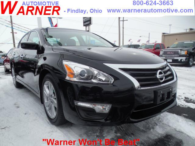 2014 Nissan Altima 2.5 SV Sedan for sale in Findlay for $20,949 with 4,198 miles