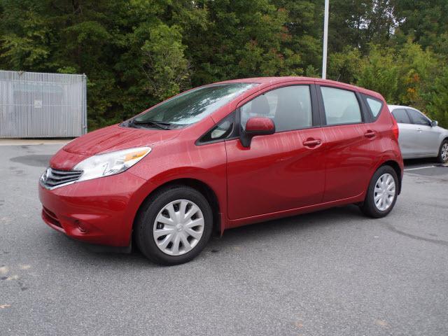 2014 Nissan Versa Note SV Hatchback for sale in Burlington for $15,900 with 30,333 miles.