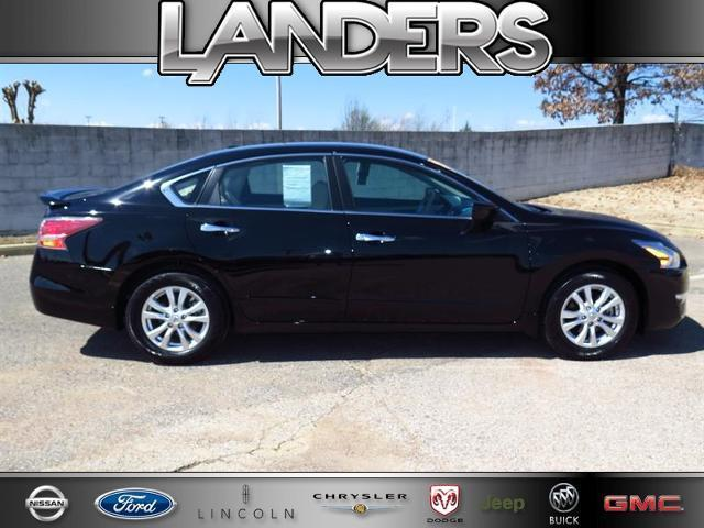 2015 Nissan Altima 2.5 S Sedan for sale in Southaven for $23,990 with 4,867 miles