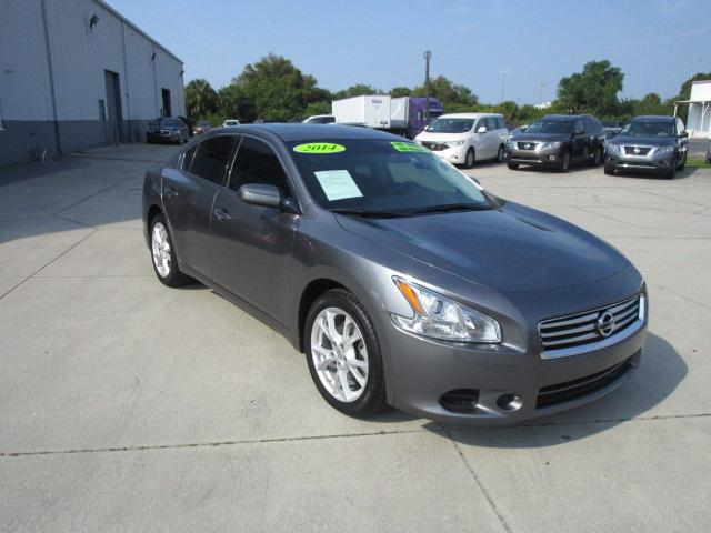 2014 Nissan Maxima Sedan for sale in Venice for $24,000 with 2,776 miles