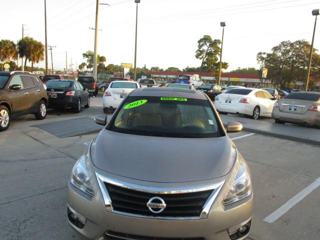 2013 Nissan Altima 2.5 Sedan for sale in Venice for $18,000 with 60,888 miles