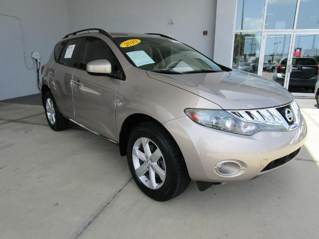 2010 Nissan Murano SL SUV for sale in Venice for $21,000 with 29,702 miles.