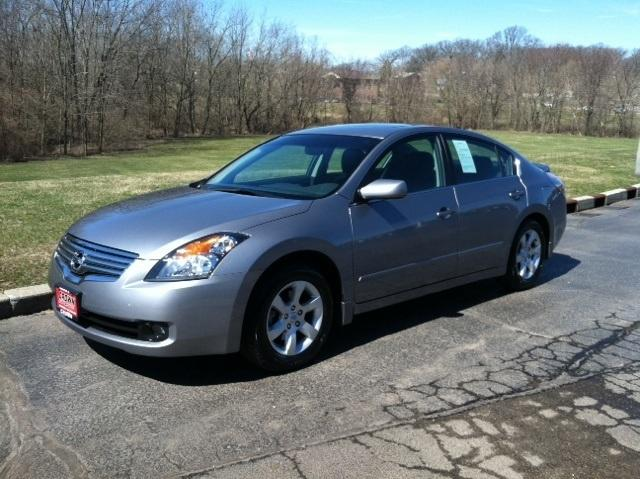 2009 Nissan Altima 2.5 Sedan for sale in Decatur for $14,995 with 55,520 miles