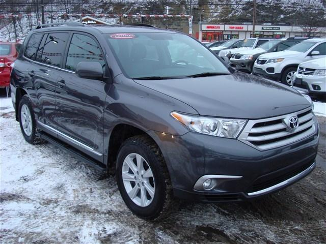 2012 Toyota Highlander SUV for sale in Pittsburgh for $29,991 with 28,447 miles.