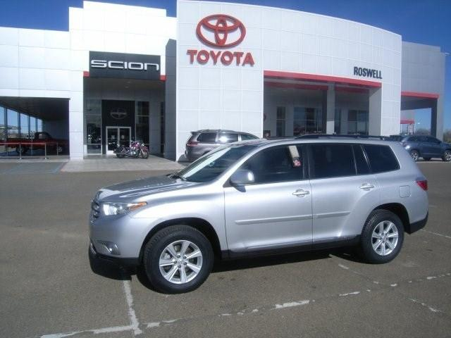 2011 Toyota Highlander SE SUV for sale in Roswell for $23,950 with 37,425 miles.