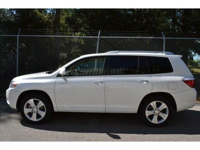 2010 Toyota Highlander SUV for sale in Panama City for $24,079 with 76,982 miles.
