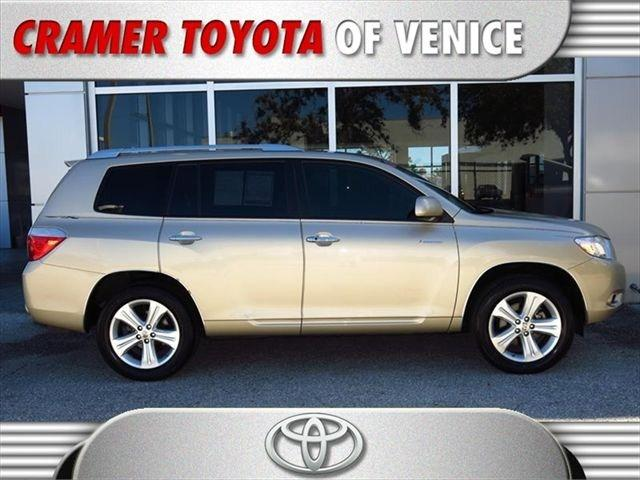 2010 Toyota Highlander SUV for sale in Venice for $23,997 with 60,903 miles.