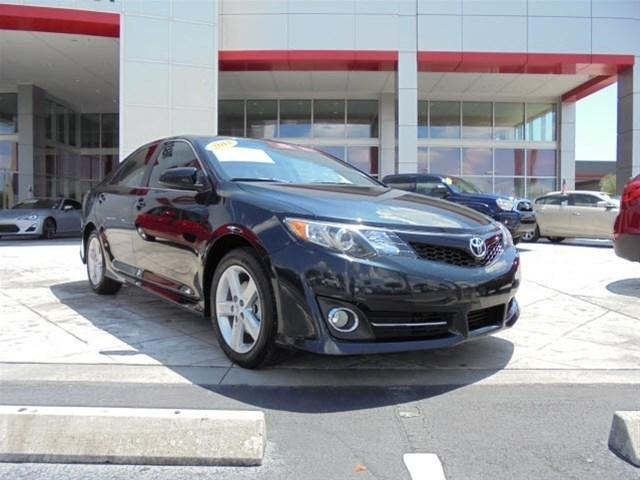 2014 Toyota Camry Sedan for sale in Stuart for $18,995 with 27,913 miles