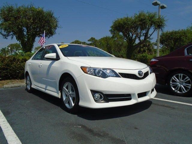 2014 Toyota Camry Sedan for sale in Stuart for $17,995 with 22,604 miles