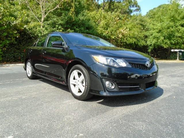 2014 Toyota Camry Sedan for sale in Stuart for $19,398 with 14,242 miles