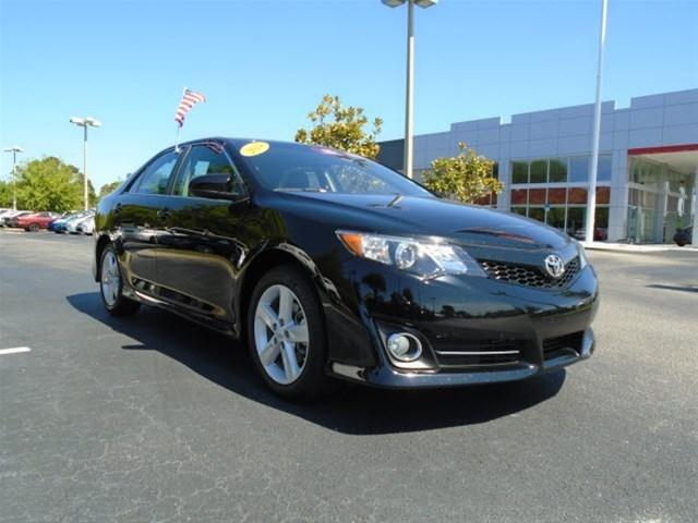 2014 Toyota Camry Sedan for sale in Stuart for $19,495 with 17,490 miles