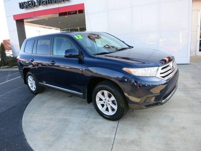 2012 Toyota Highlander Base SUV for sale in Gallatin for $21,500 with 45,471 miles