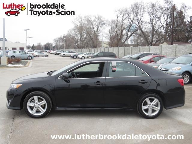 2014 Toyota Camry Sedan for sale in Minneapolis for $17,998 with 34,045 miles