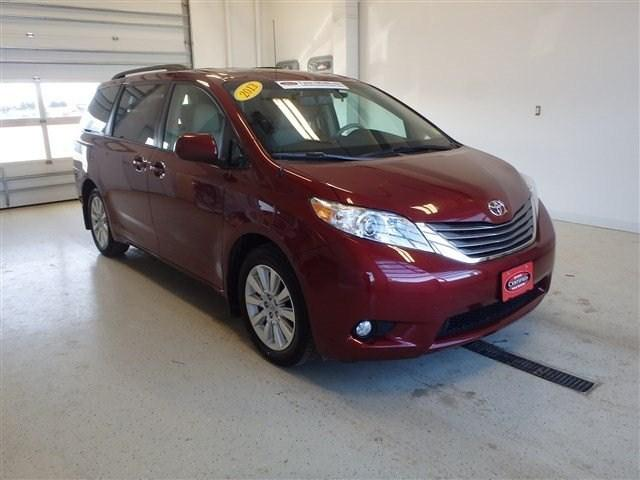 2013 Toyota Sienna Minivan for sale in Watertown for $30,910 with 38,595 miles