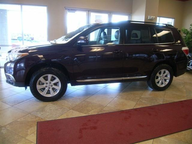 2013 Toyota Highlander SUV for sale in Helena for $31,721 with 52,001 miles.