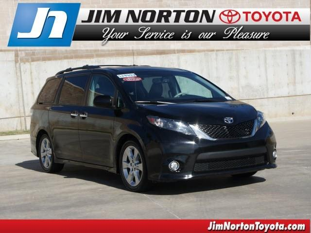 2013 Toyota Sienna Minivan for sale in Tulsa for $24,993 with 65,700 miles