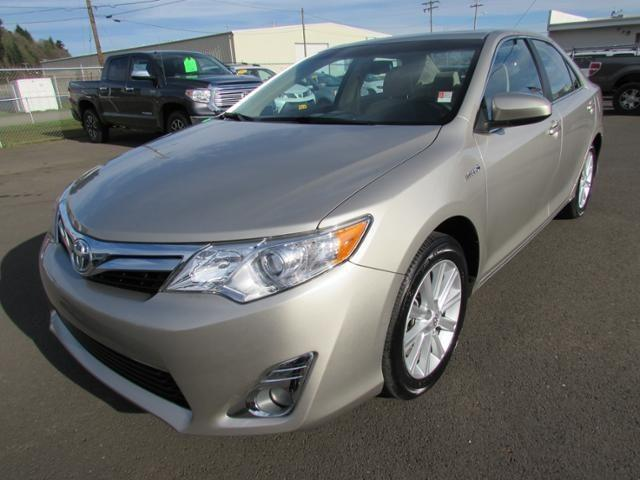 2013 Toyota Camry Hybrid Sedan for sale in Coos Bay for $25,987 with 20,032 miles.